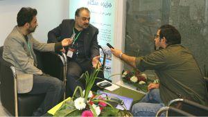 بازدید دکتر جنت، رئیس مرکز ملی تحقیقات حلال جمهوری اسلامی ایران از غرفه آزمایشگاه تخصصی مرکز ملی تحقیقات حلال